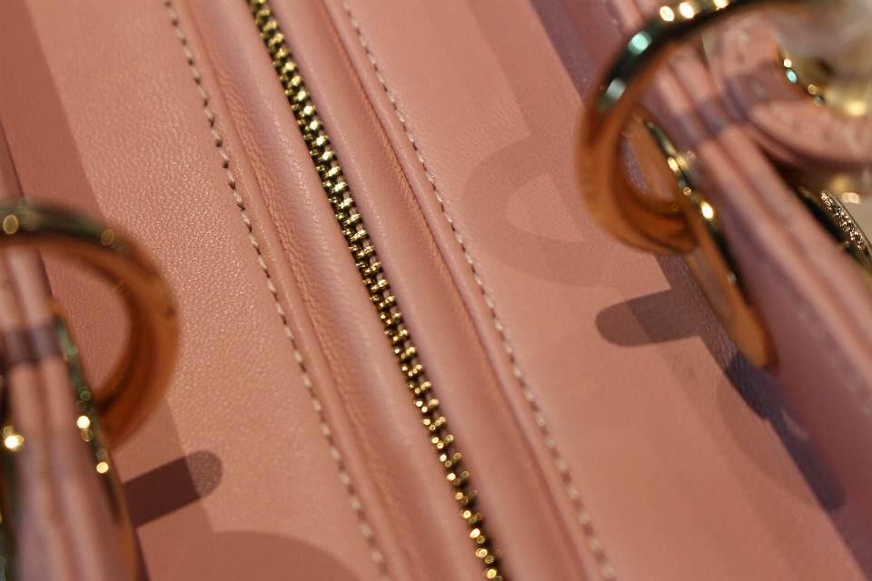 DIOR迪奥进口羊皮 七格戴妃包 粉色金扣戴妃包