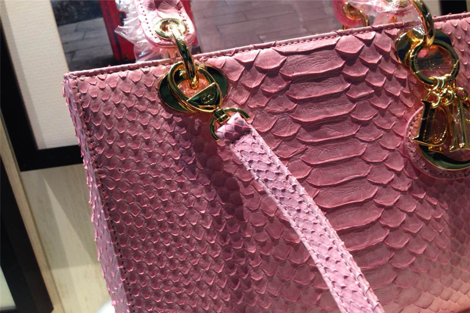 DIOR迪奥粉色金扣戴妃包 蟒蛇皮内配原版羊皮 金属字母配饰