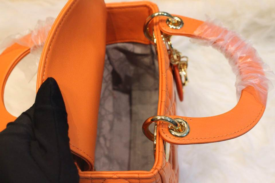DIOR迪奥橙色金扣三格戴妃包 进口羊皮 Dior金属字母配饰