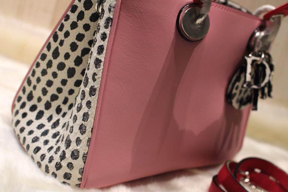 DIOR迪奥小号女包 牛皮搭配蛇皮 表面粉色侧面黑白豹纹