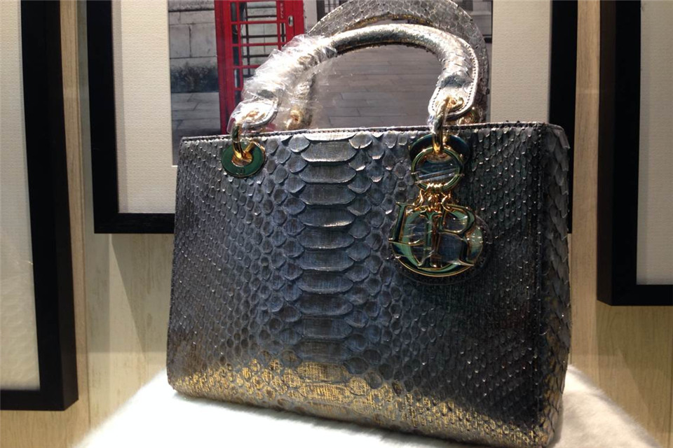 DIOR迪奥蟒蛇皮(内配原版羊皮) 碎金金扣女包 品牌包包