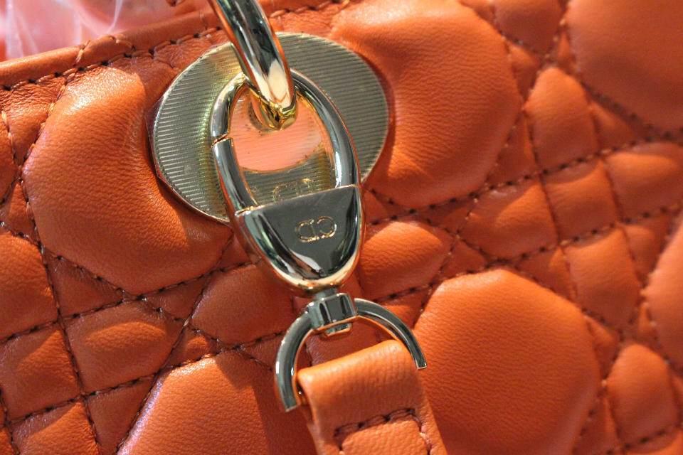 DIOR迪奥原版皮七格戴妃包 进口羊皮女包 金扣橘色包