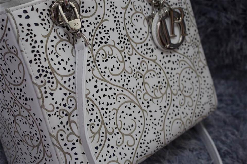 DIOR迪奥白色银扣女包 南非进口牛皮 太钢电镀五金银扣