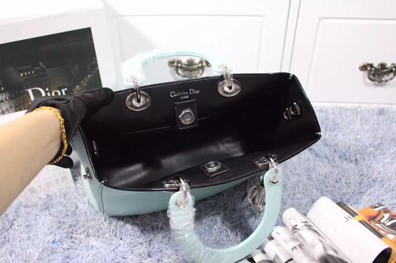 厂家直销 迪奥Dior Diorissimo Vip专属中号浅蓝色平纹牛皮手提女包斜挎包 32CM