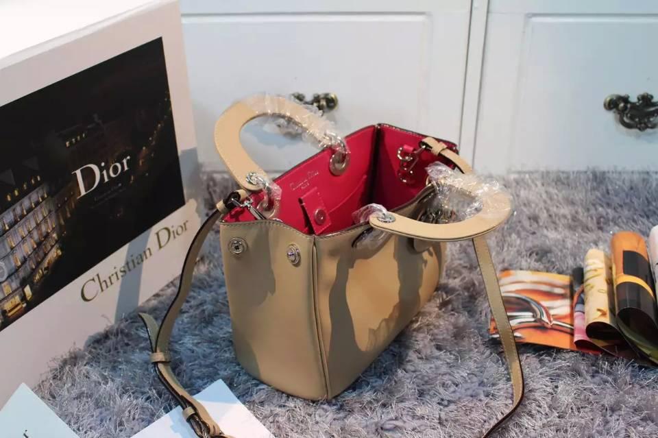 广州迪奥DIOR包包批发 Dior Vip小号杏色原版顶级平纹牛皮女包 23CM