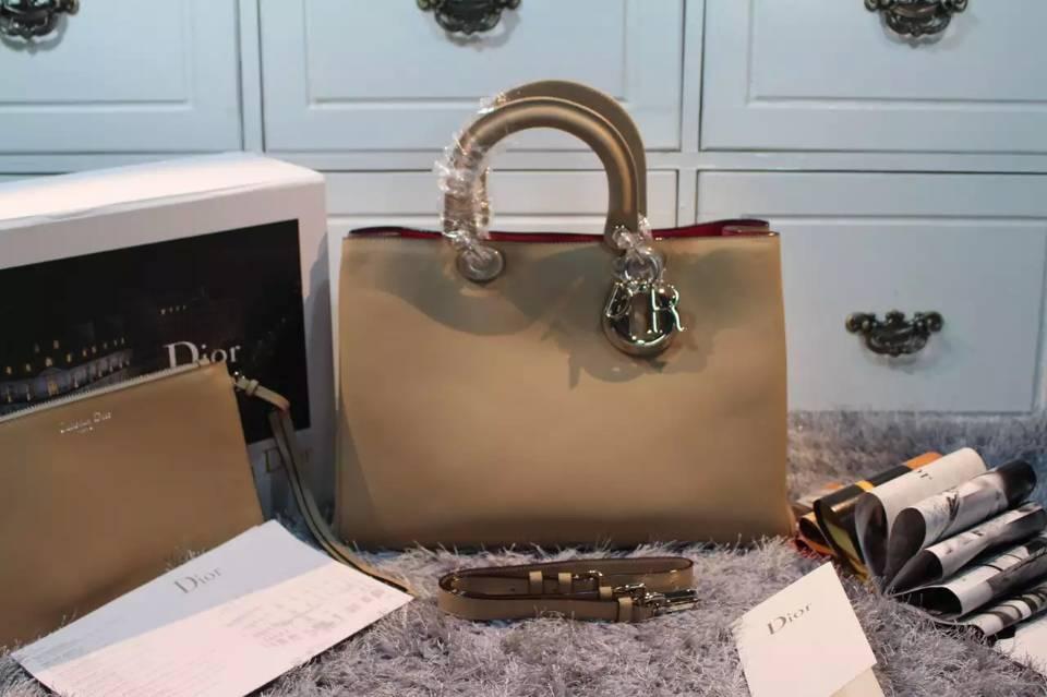 广州迪奥Dior包包批发 Dior Diorissimo杏色原版平纹牛皮手提包带字母配饰 大号38CM