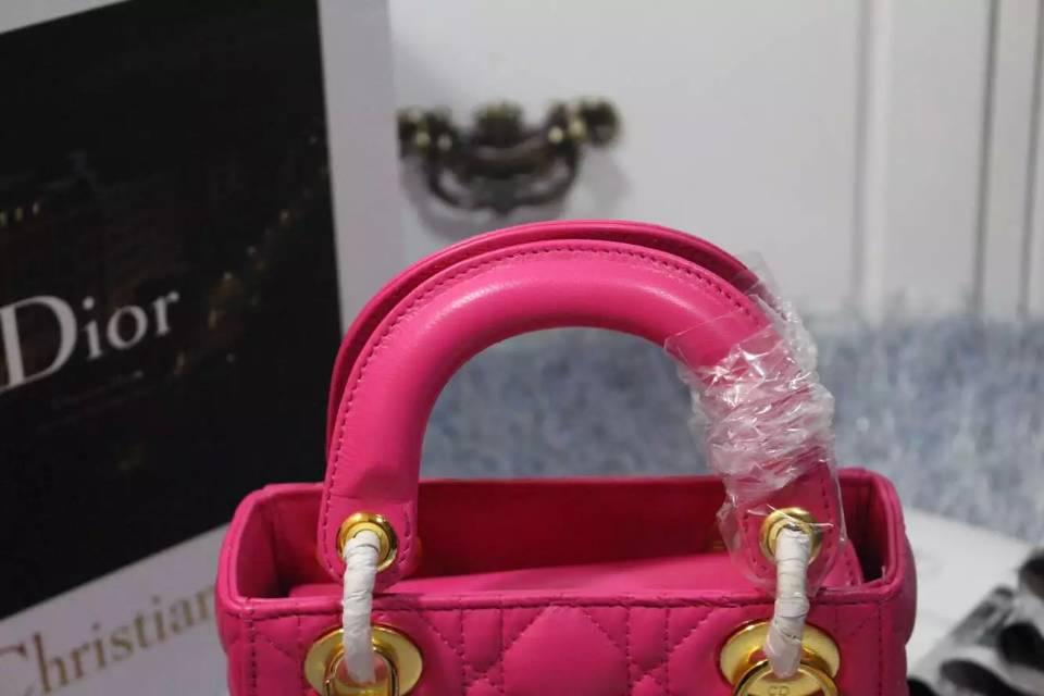 广州包包批发 迪奥DIOR玫红顶级羊皮双肩带三格戴妃包 金银扣