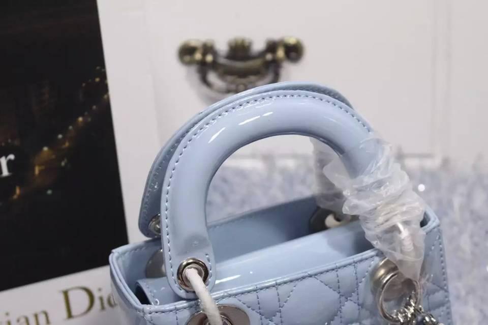 广州包包批发 DIOR迪奥浅蓝色原版漆皮双肩带三格小号戴妃包银扣 夏季流行小包
