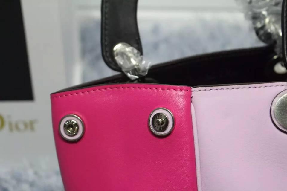广州白云皮具城 Dior Diorissimo 樱花粉拼黑色拼玫红平纹牛皮小号Vip女款手提包23CM