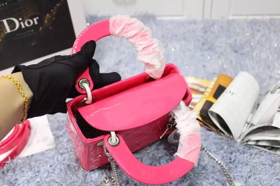 迪奥Dior包包批发 玫红色进口原版漆皮双肩带三格戴妃包 银扣