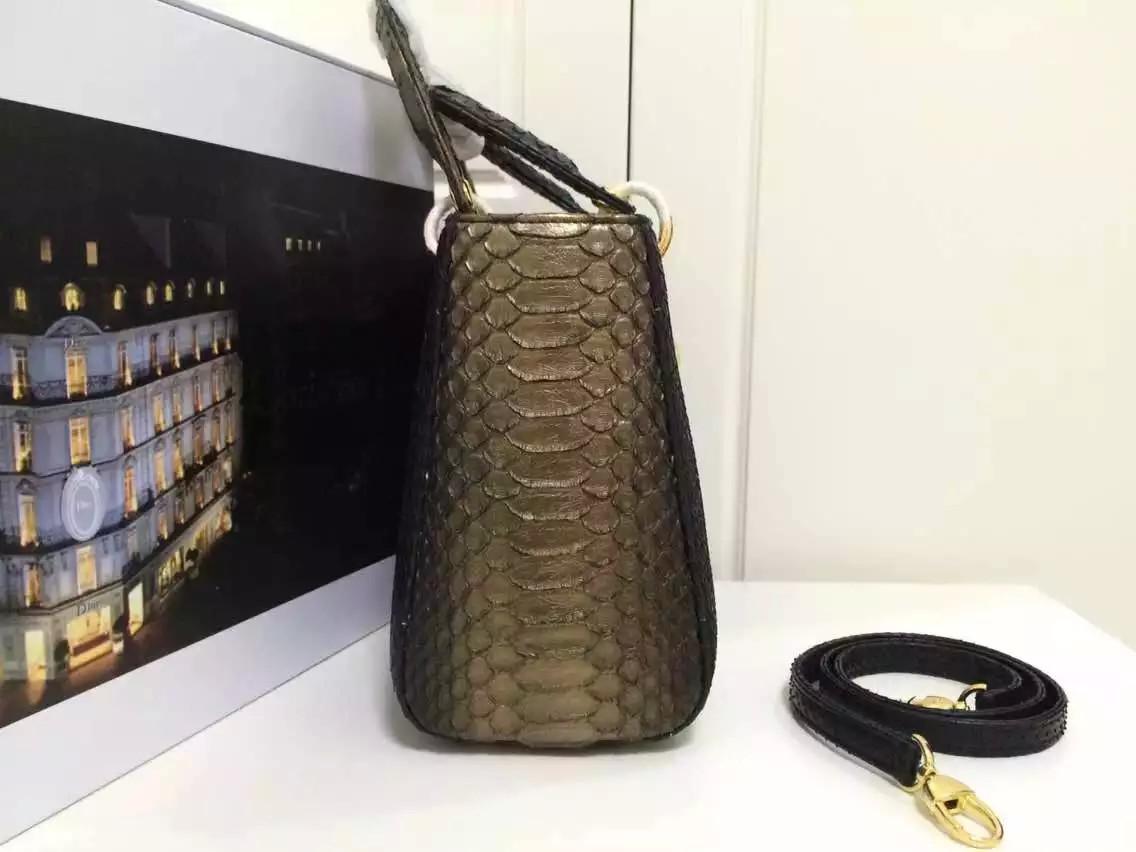 高仿迪奥Dior包包 进口顶级非洲蟒蛇皮戴妃包中号24CM 黑炫金 奢侈品女包手提包
