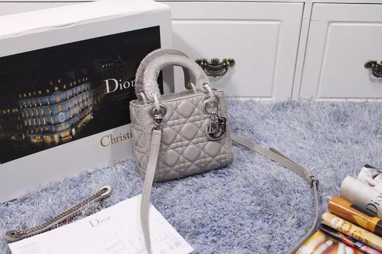 Dior高仿包包货源 迪奥新款双肩带三格羊皮戴妃包小号浅灰色 银色五金
