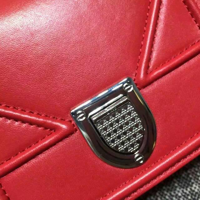 Dior女包官网 迪奥Diorama迷你款0089 红色平纹牛皮斜挎小包18cm