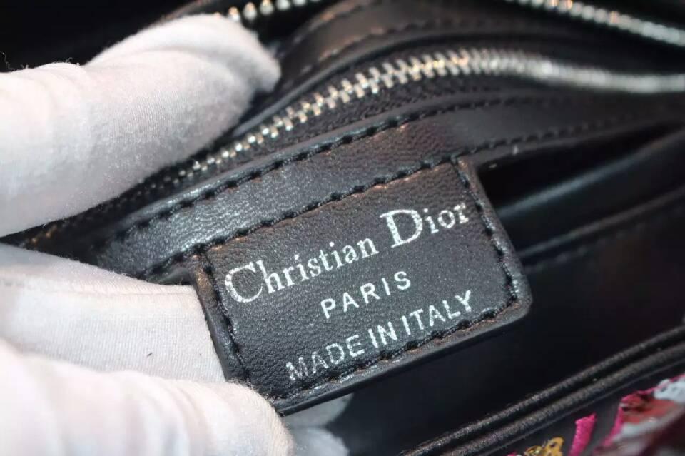 迪奥新款女包 Lady Dior绣珠徽章款戴妃包黑色手柄24cm