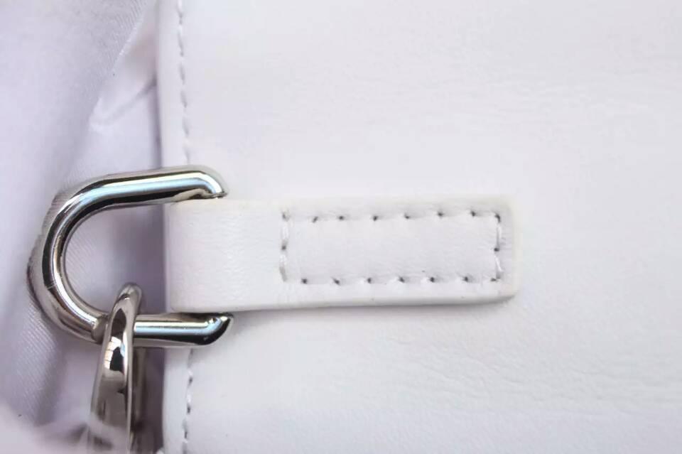 广州包包批发 Dior迪奥白色原版皮 绣珠系列链条单肩女包