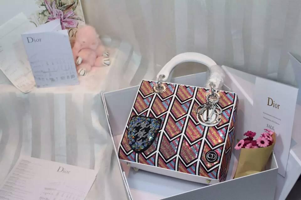 Dior女包官网 迪奥戴妃包Lady Dior绣珠系列手提包 24cm