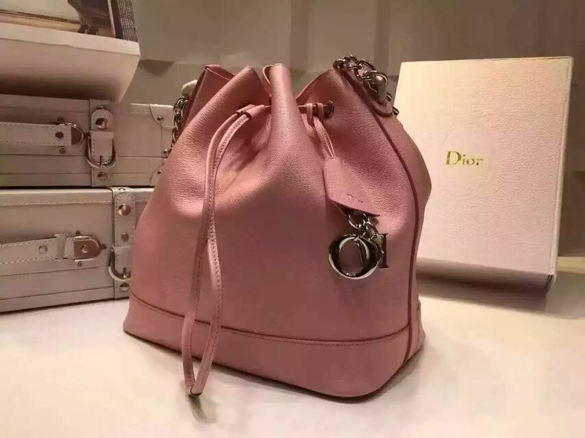 厂家直销 Dior迪奥水桶包 粉色原版进口牛皮链条单肩包