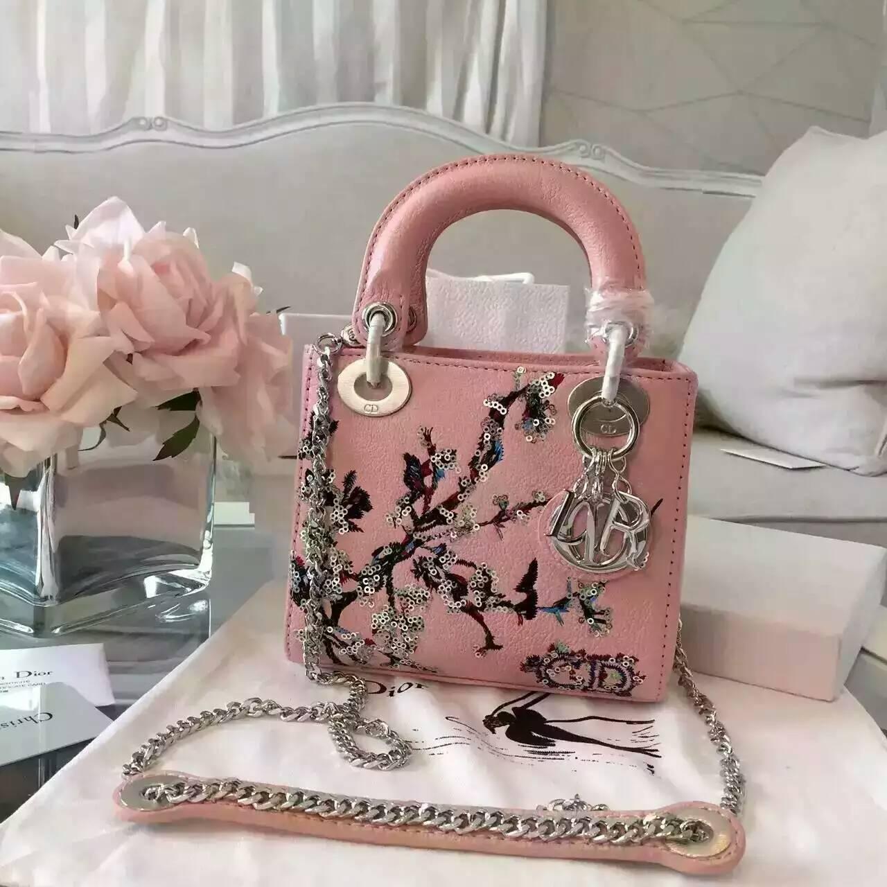 迪奥新款女包 Lady Dior mini刺绣新款粉色山羊皮戴妃包三格
