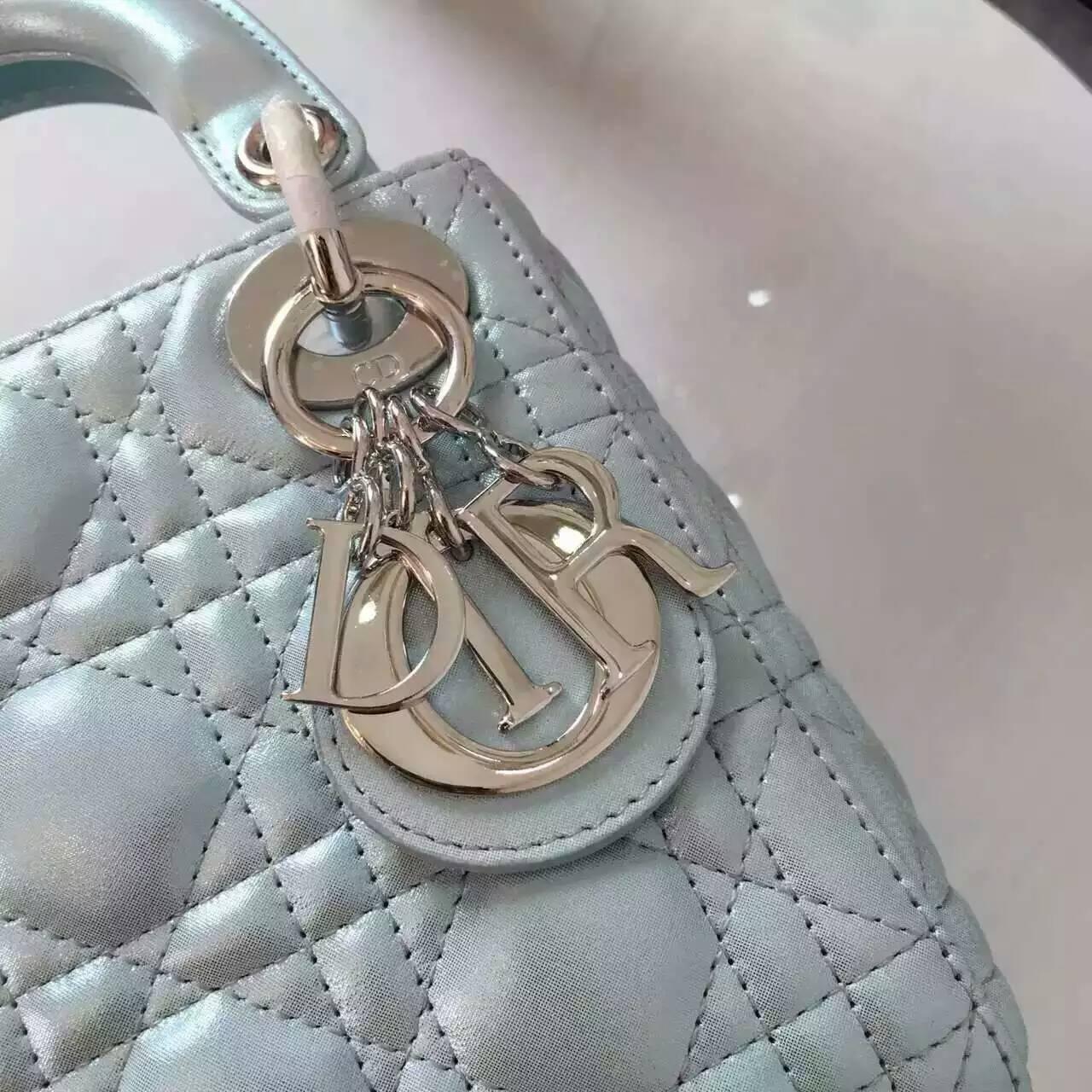 迪奥戴妃包新款 Lady Dior mini浅蓝色珠光布纹羊皮三格戴妃包17cm