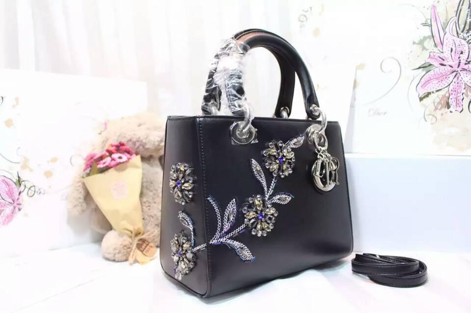 迪奥包包官网 Lady Dior新款手工绣花戴妃包五格24cm 黑色