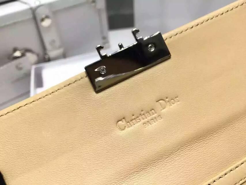 迪奥钱包代购 Christian Dior原版菱格漆皮两折钱包链条背包 杏色