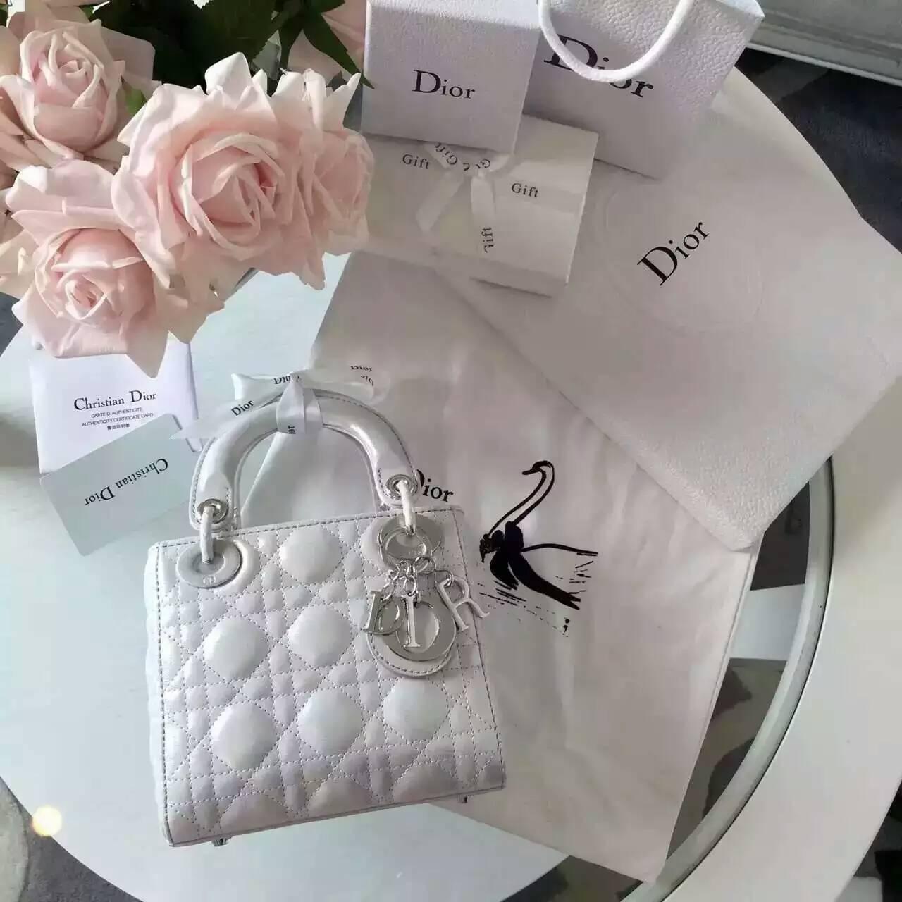 Dior戴妃包价格 迪奥新款珠光布纹小羊皮小号戴妃包17cm 白色