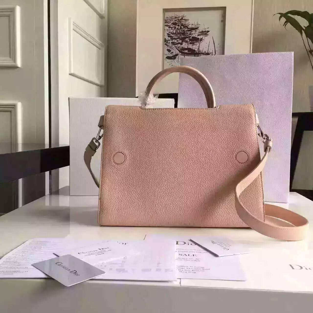 Dior迪奥女包价格 16年新款Diorever裸粉色荔枝纹手提斜挎包30cm