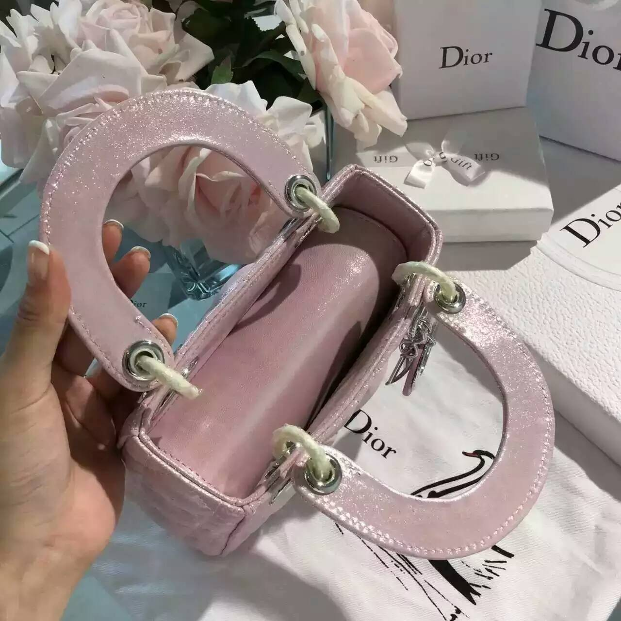 真皮包包批发 Christian Dior 迪奥浅粉色珠光布纹小羊皮三格戴妃包