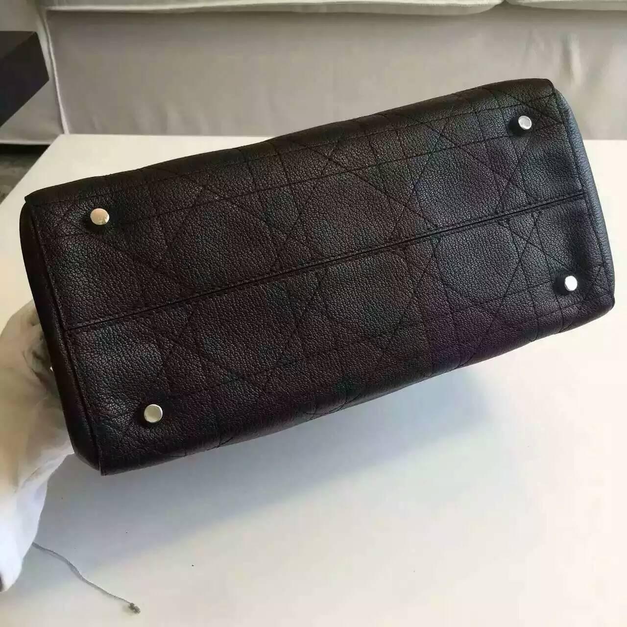 迪奥新款女包 黑色粒面牛皮藤格纹链条单肩包购物袋33cm