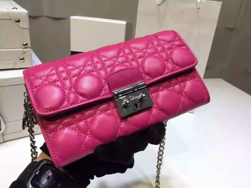 迪奥包包官网 Christian Dior进口原版羊皮两折钱包链条包 玫红