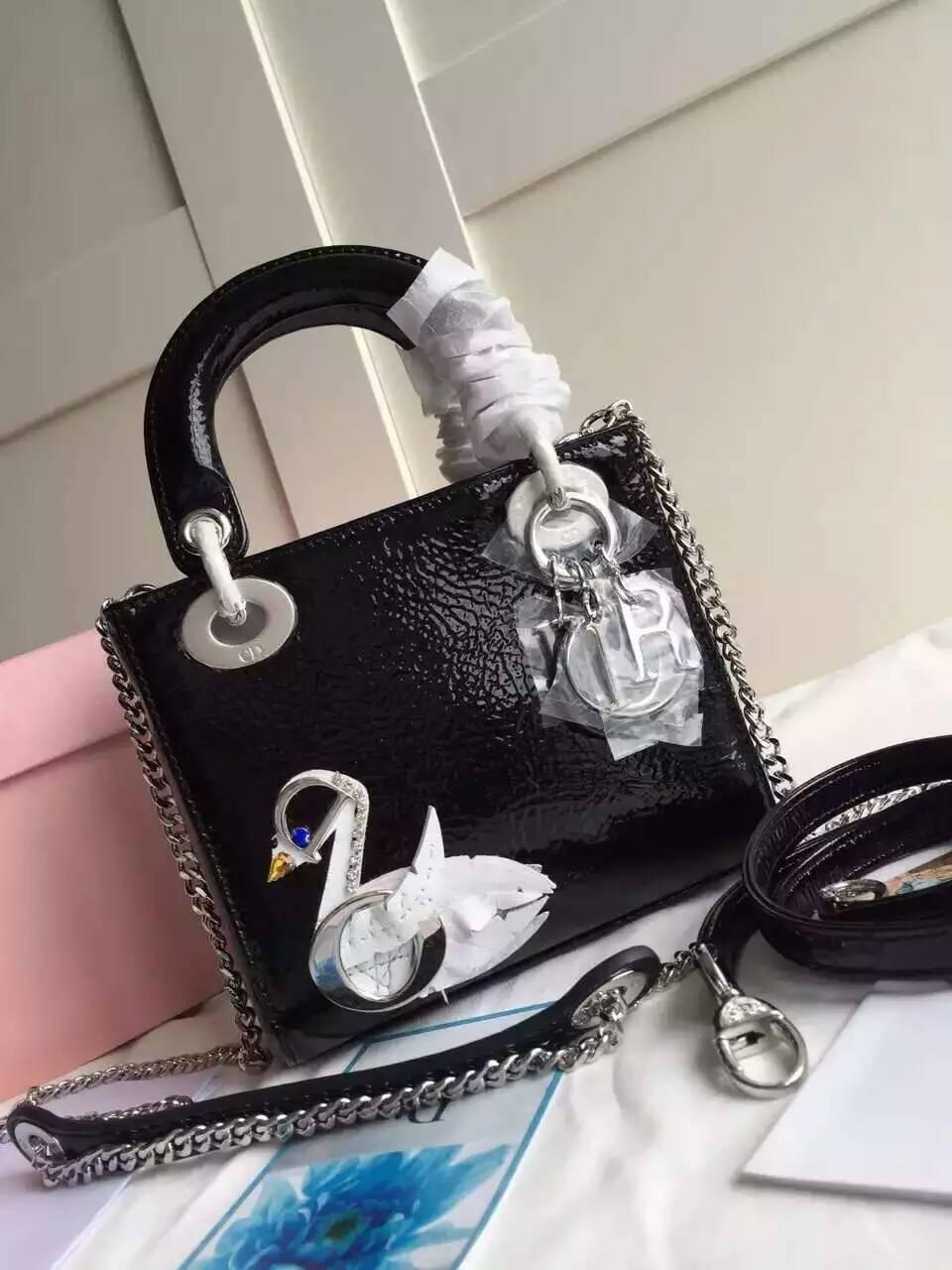 迪奥三格迷你戴妃包 白色天鹅彩绘黑色裂纹牛皮Lady Dior女包17cm