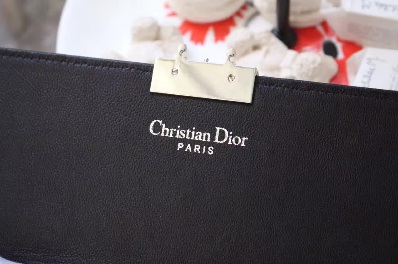高仿迪奥女包 Miss Dior新款链条单肩斜挎女包 金属灰色