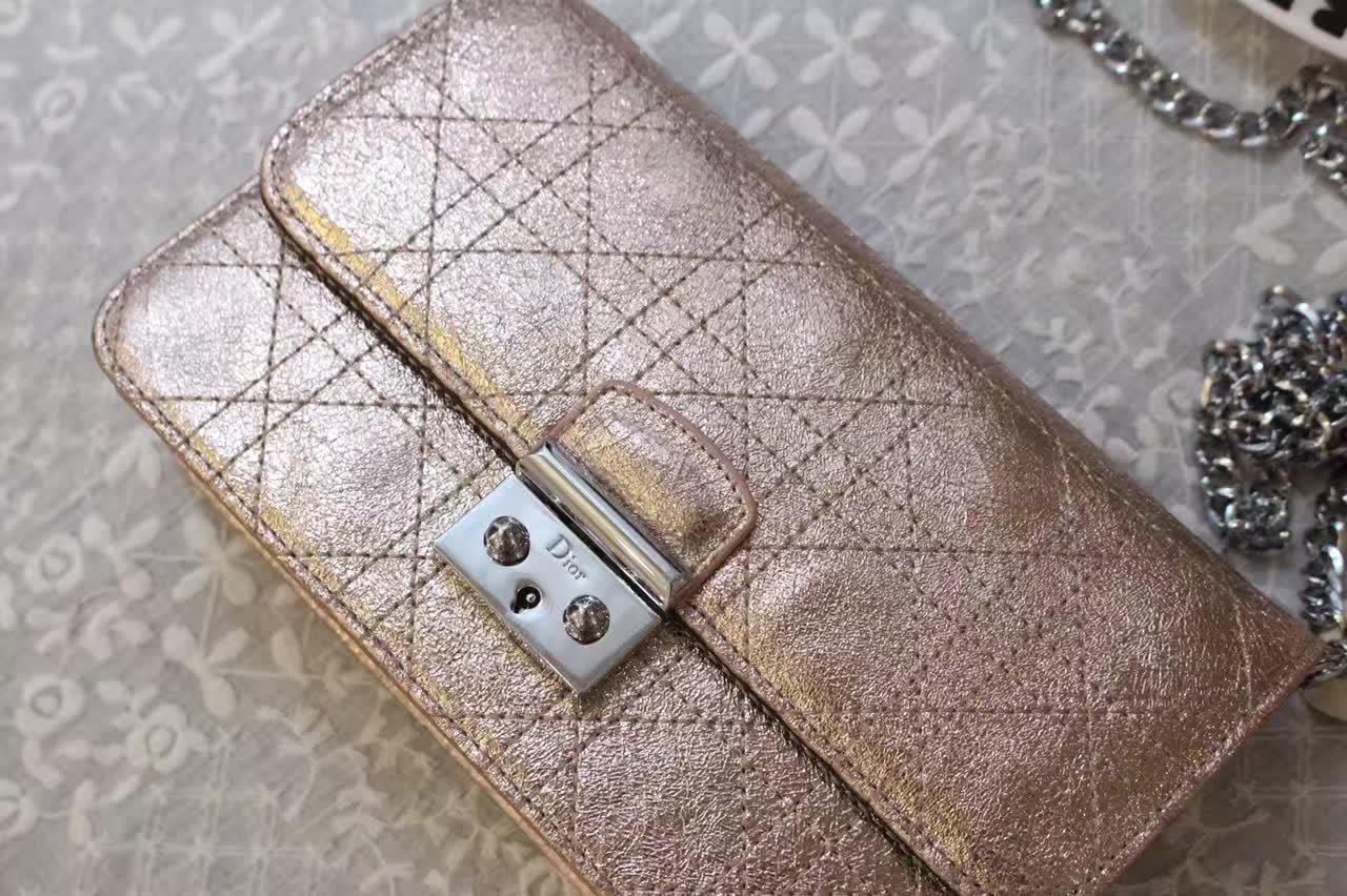 迪奥包包价格 Miss Dior金属金色空姐包款单肩斜挎女包