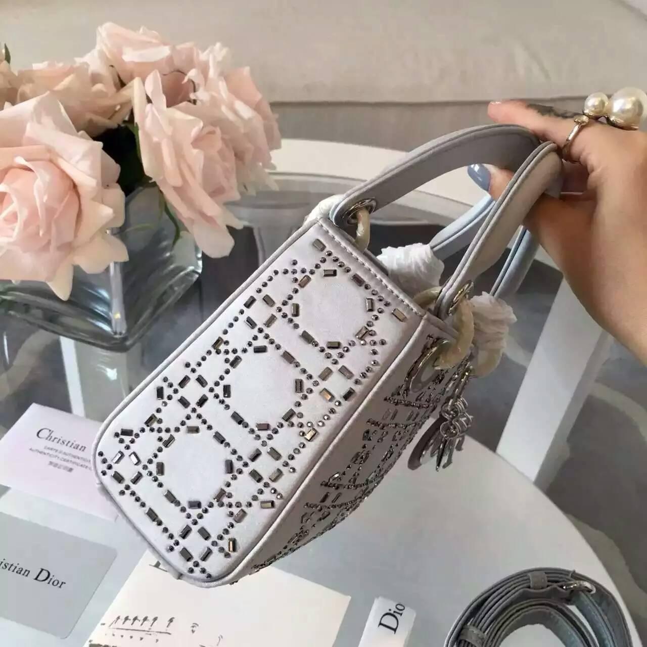 迪奥戴妃包新款 Lady Dior钻石菱格原版灰色丝绸款迷你三格戴妃包17cm