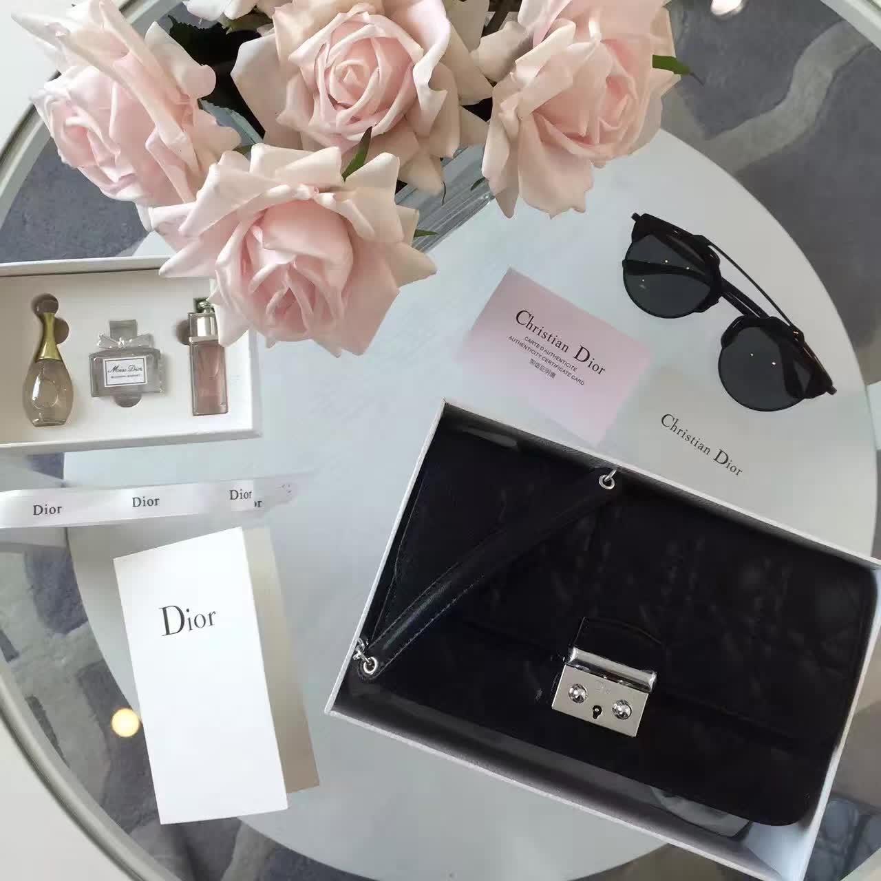 迪奥包包官网 Miss dior原版黑色布纹皮链条斜挎包包