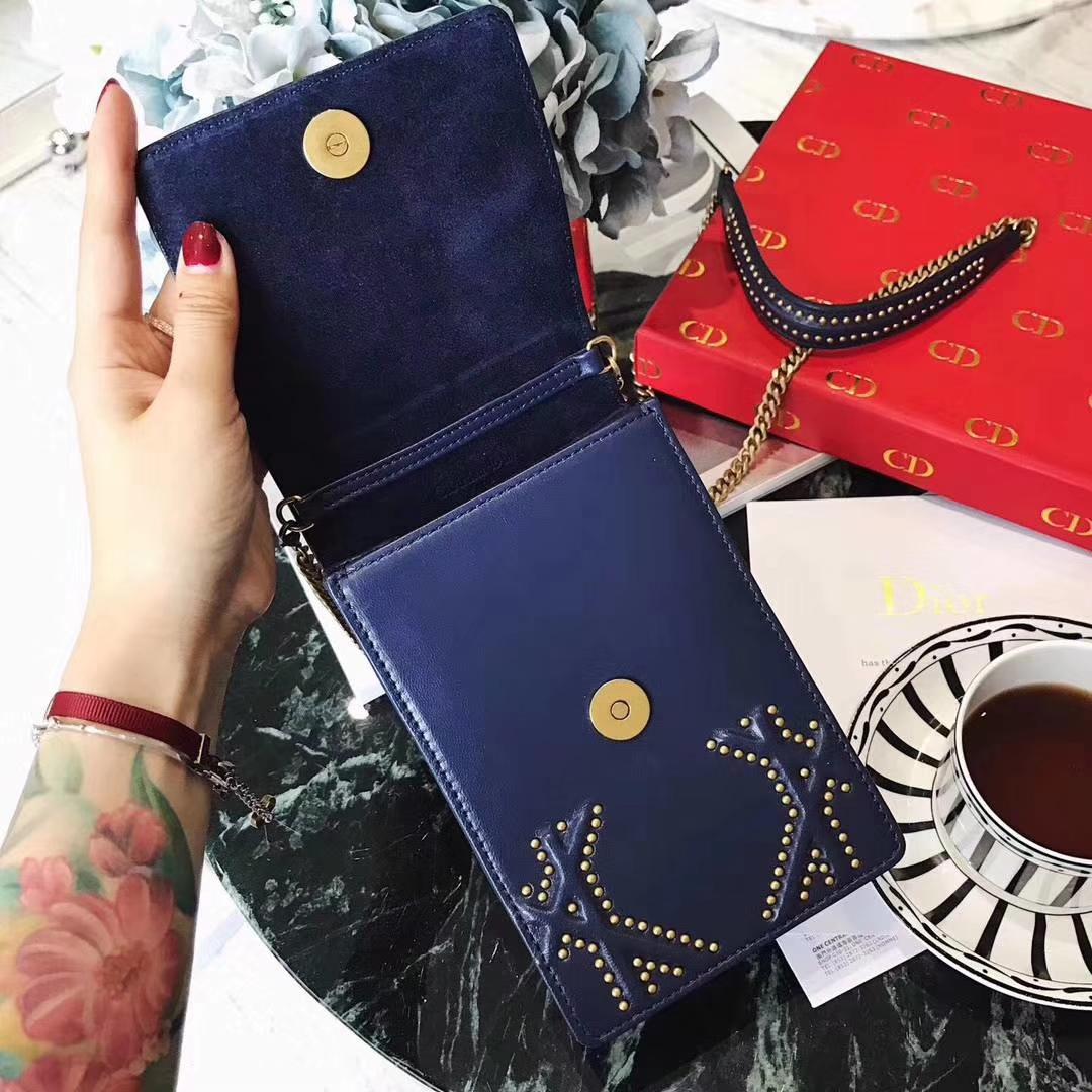 Dior女包批发 迪奥2018春夏新款铆钉羊皮手机包链条包包 深蓝色