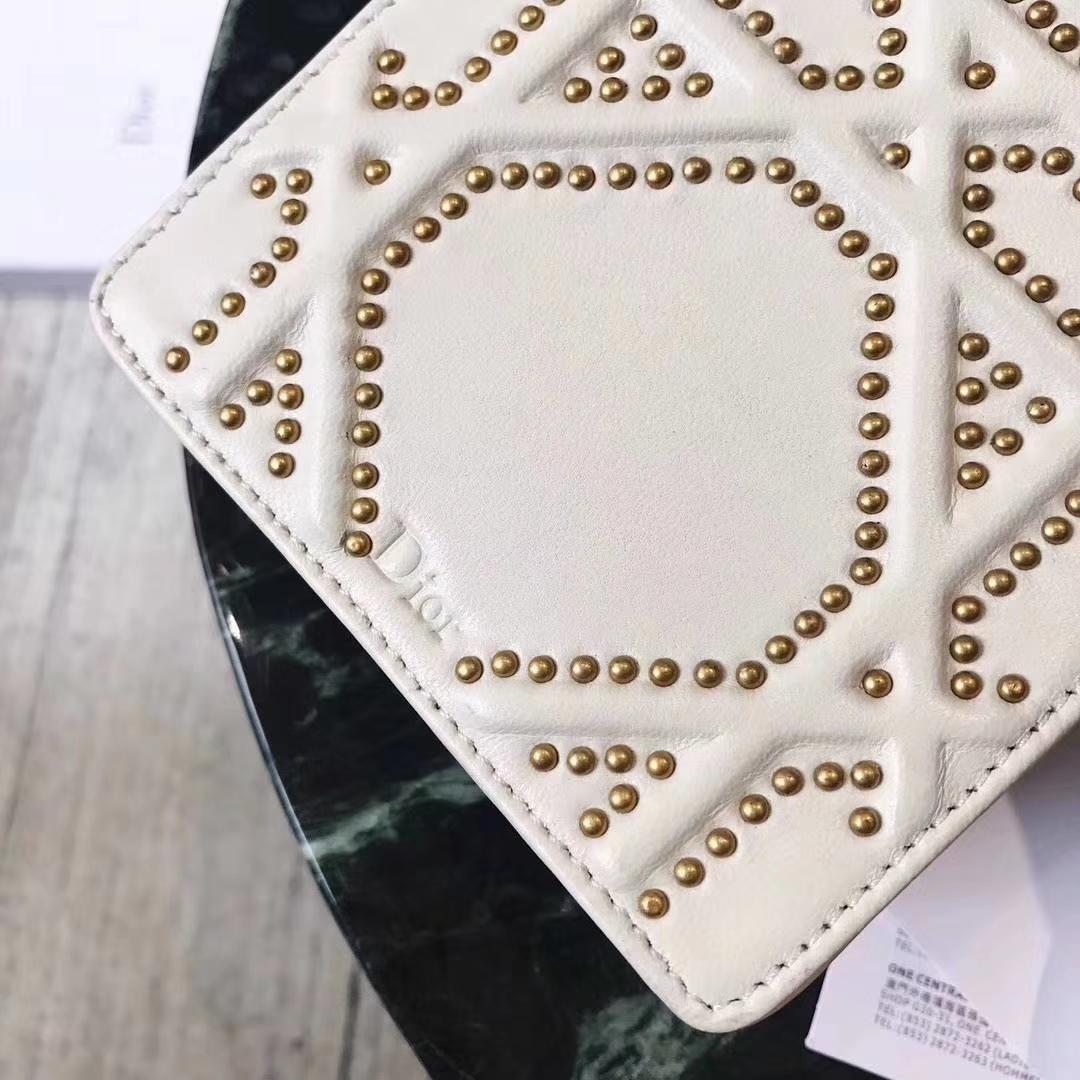 迪奥新款包包 Dior蕾哈娜特别订制款铆钉双层手机包链条斜挎包11.5cm