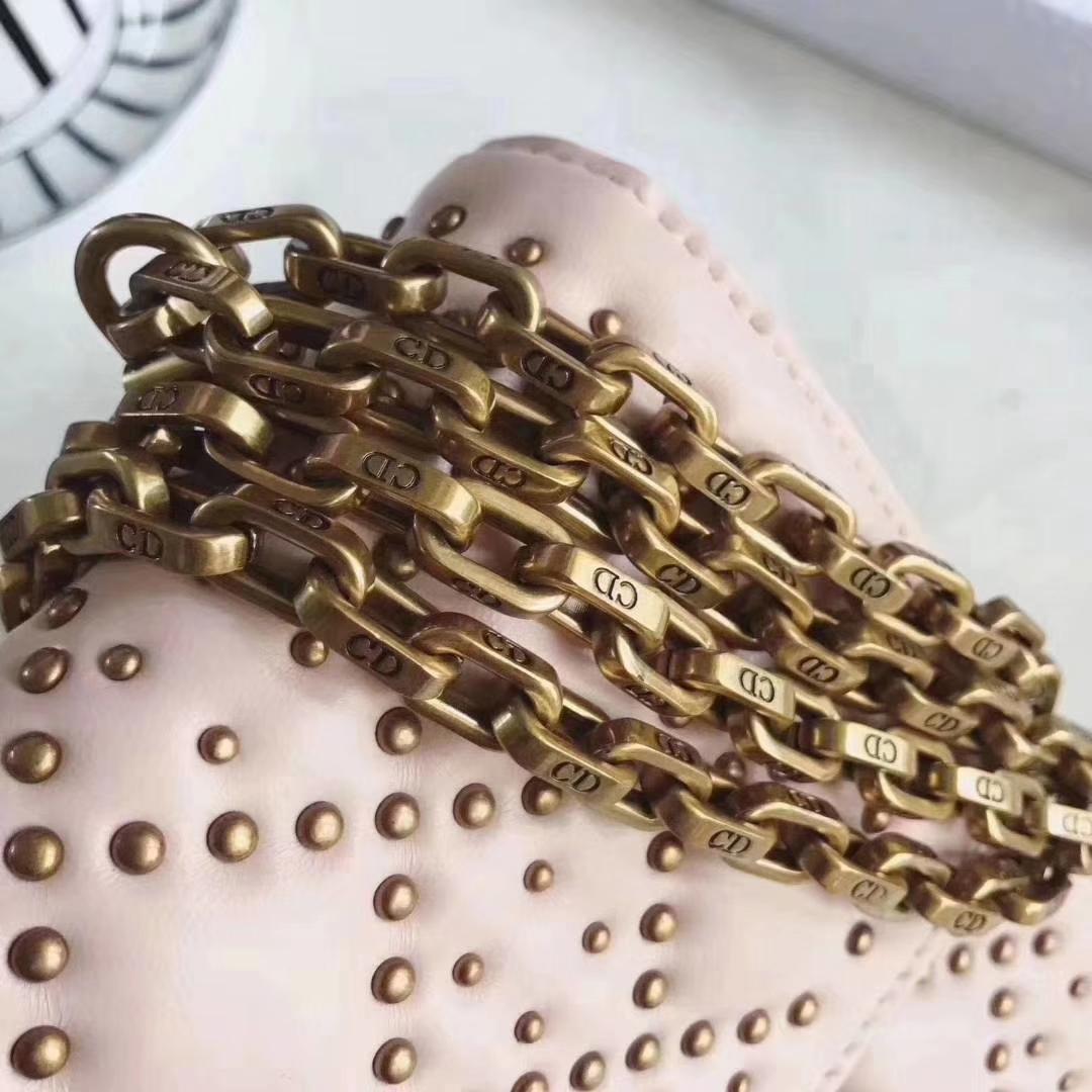 迪奥女包价格 Dior Addict粉色小羊皮铆钉链条包单肩包包24CM
