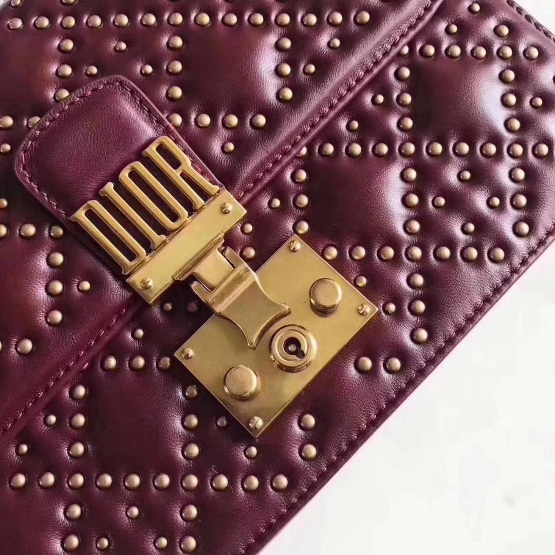 DiorAddict 迪奥酒红色铆钉菱格羊皮复古链条单肩女包24CM