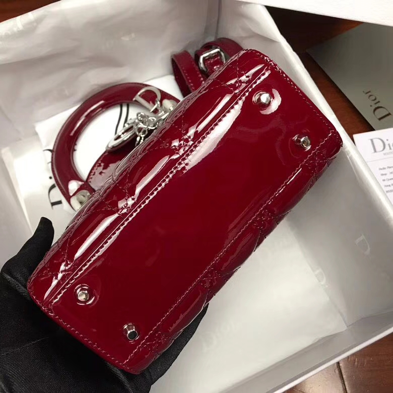 Dior经典款女包 迪奥菱格漆皮三格戴妃包Lady Dior mini17CM 酒红色银扣