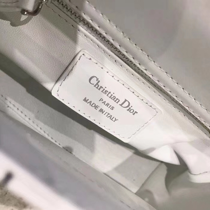 迪奥包包官网 LadyDior mini17cm钉珠刺绣迷你戴妃包链条单肩斜挎女包