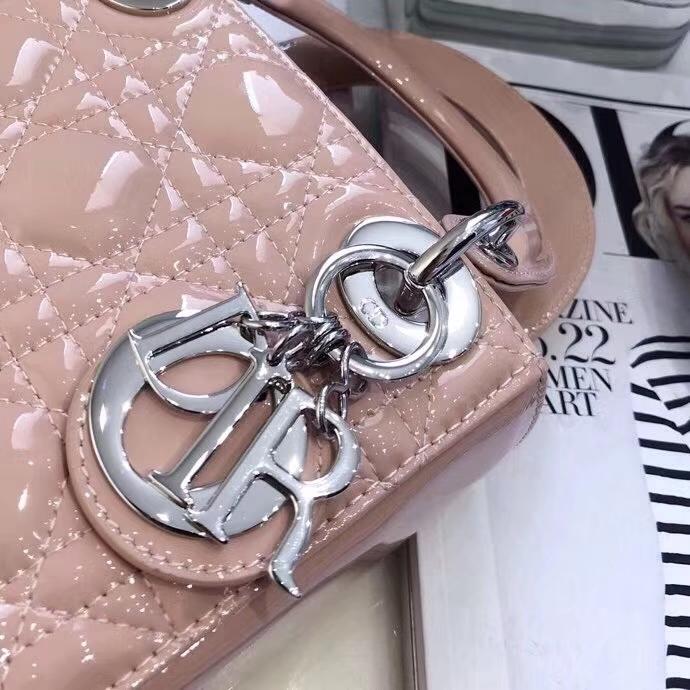 Dior MiniLadyClassic系列 迪奥粉色三格漆皮迷你戴妃包双肩带17CM