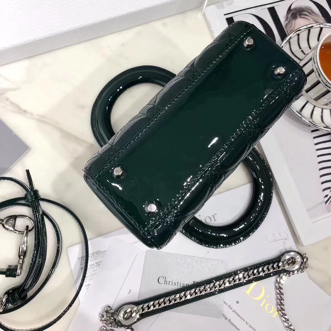 Dior女包价格 迪奥经典款Mini Lady Dior三格迷你戴妃包漆皮 墨绿色银扣