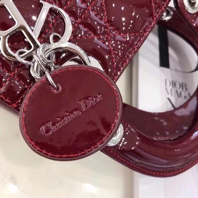 迪奥包包官网 Mini Lady Dior酒红色漆皮戴妃包三格手提斜挎女包17CM 银扣