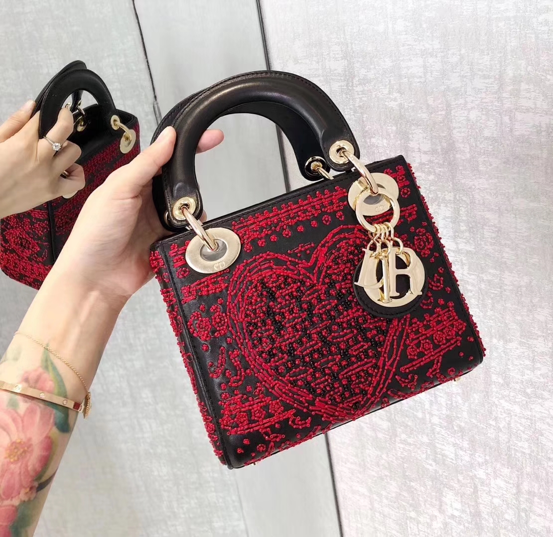 迪奥包包价格 Lady Dior mini 2018新款扑克风印花迷你三格戴妃包 黑红色金扣