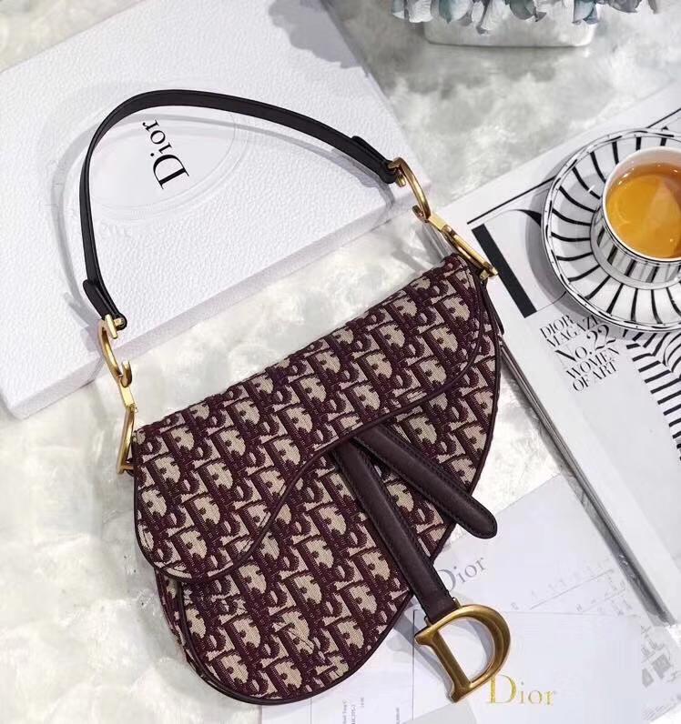迪奥新款女包 Dior Saddle Bag经典老花印花帆布马鞍包大号26CM 酒红色