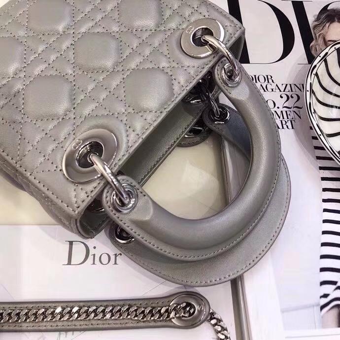 Dior女包价格 迪奥顶级羊皮迷你三格戴妃包双肩带Lady Dior mini17CM 珍珠灰银扣