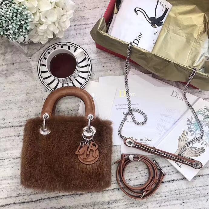 Dior包包官网 迪奥啡色进口水貂毛系列三格戴妃包Lady Dior mini17CM