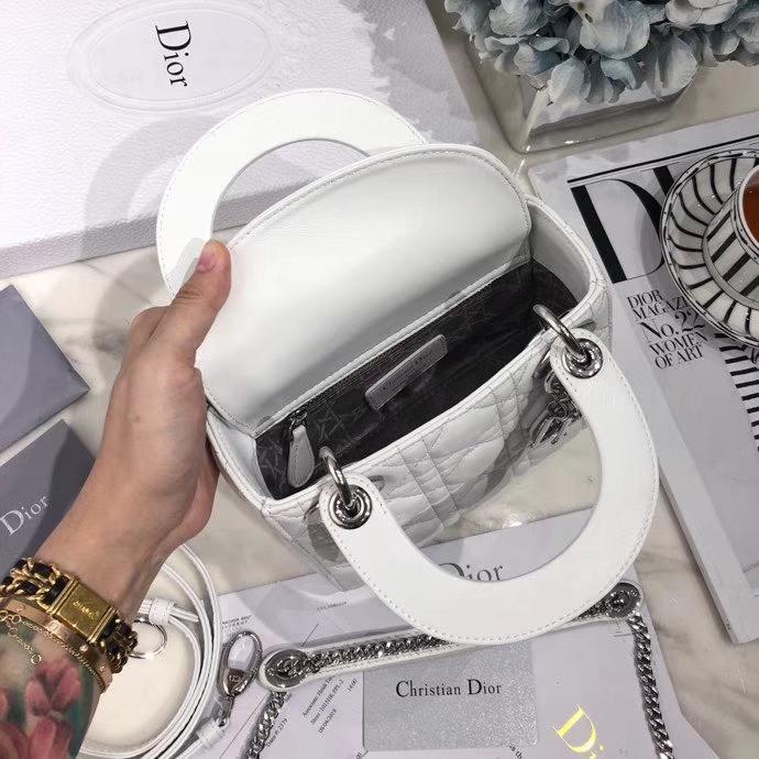迪奥包包官网 Dior白色原单羊皮戴妃包三格mini Lady Dior17CM 银扣