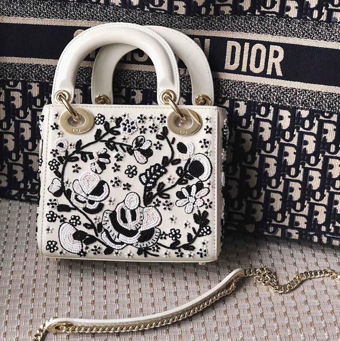 迪奥新款戴妃包 Mini Lady Dior编织花朵黑白色小牛皮三格迷你戴妃包17CM